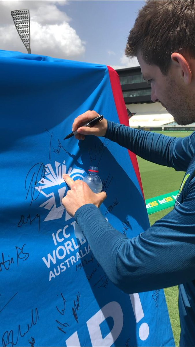 A step closer to a world record for most signatures on a piece of sporting memorabilia as Australian Test captain @tdpaine36 signs the #BigShirt in support of the @ICC Women's #T20WorldCup.
