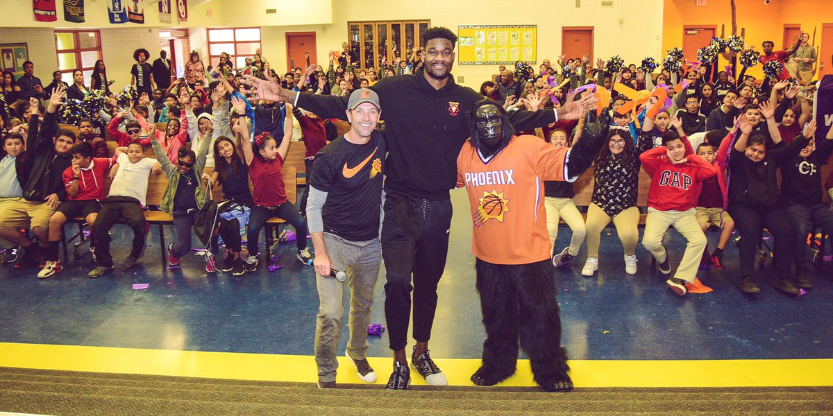 "DA's Favorite Dairy Product? ""Regular, White Milk!"" 🥛   @DeandreAyton & @AzMilkProducers visited John R. Davis school this afternoon, teaching students about healthy habits. Each student received a Deandre growth poster and @shamrockfarms milk!"