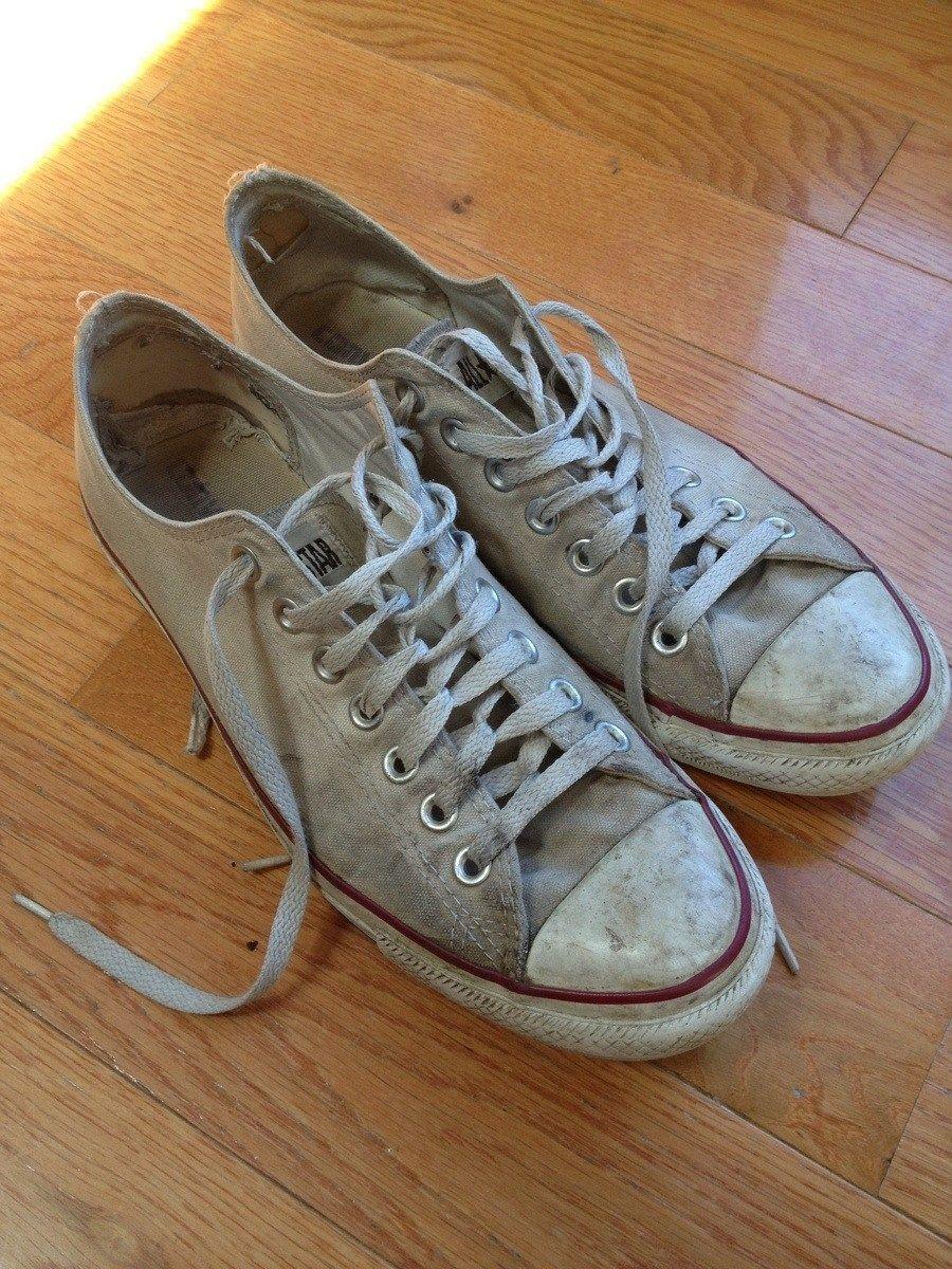 Este es el mejor truco para que tus zapatillas blancas vuelvan a estar relucientes  https://t.co/u50II5SUUp https://t.co/129E7aXMe7