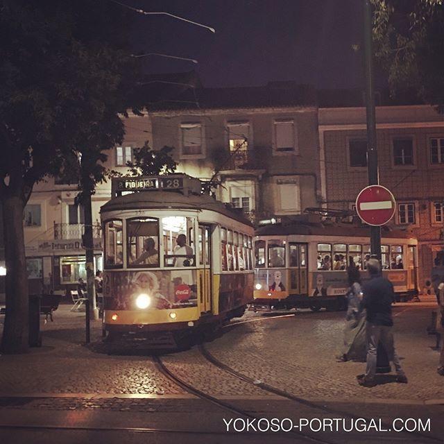 test ツイッターメディア - 夜のアルファマ地区、ポルタス・ド・ソル。空いてる夜の路面電車ライドもおすすめです。 #リスボン #ポルトガル https://t.co/Ua00wWWKQN