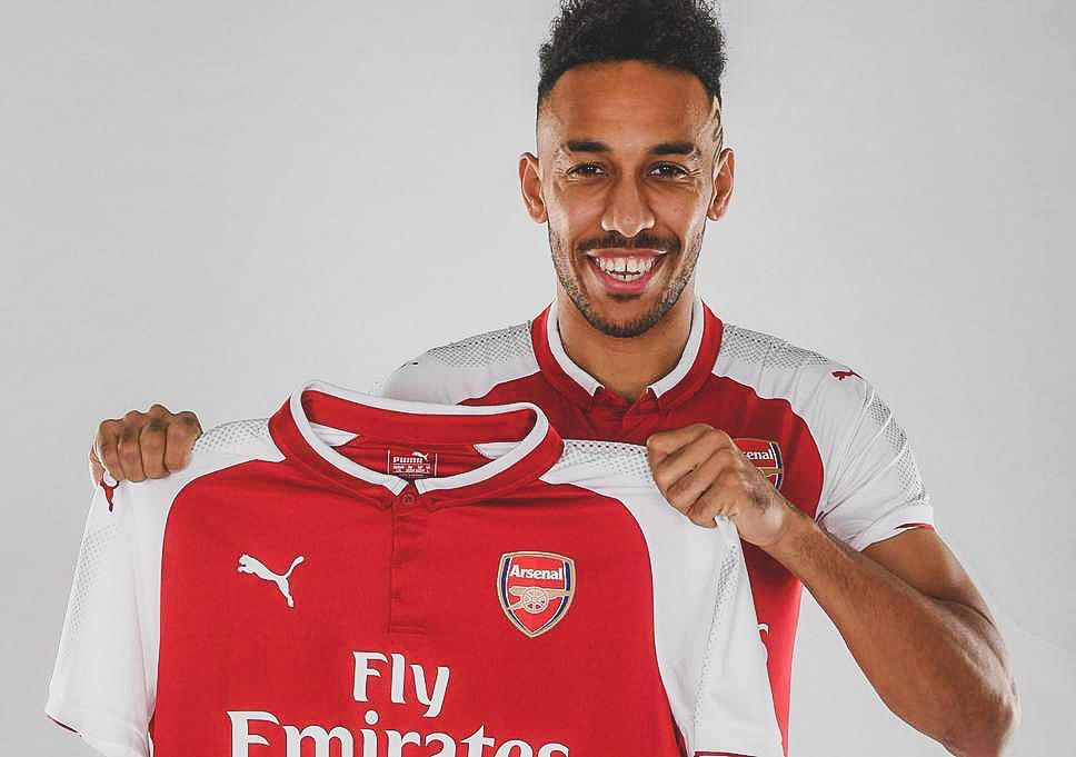 📅 1 Year Ago Today:  ✍ @Arsenal signed @Aubameyang7 from @BVB.  🏟 44 Games ⚽ 28 Goals 🎯 8 Assists  ✅ Fastest EVER @Arsenal player to score 25 @PremierLeague goals.  ✅ Fifth fastest in @PremierLegue history to score 25 goals.  👏 What a signing.