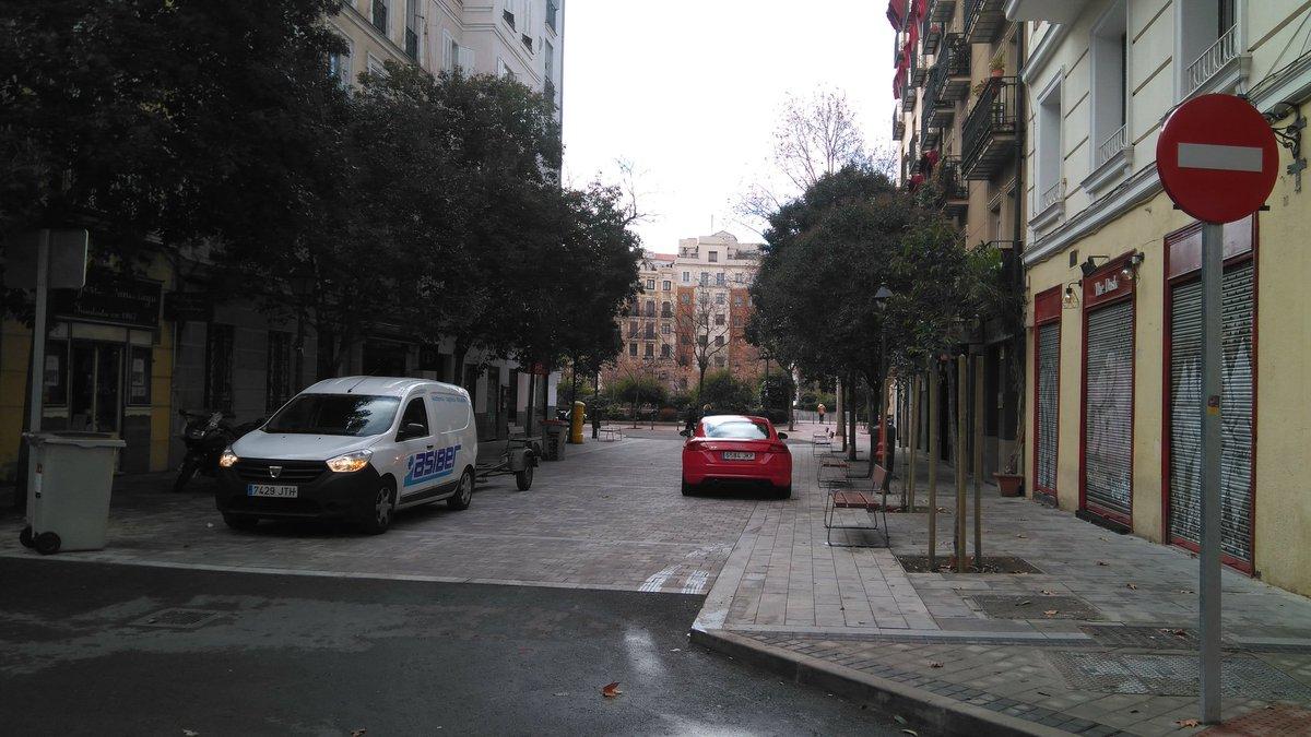 La reforma del entorno de #Olavide para mejorar la seguridad peatonal ha sido en vano. Los comerciantes han visto atónitos 4 meses injustificados de obras en plenas Navidades y muchas molestias, para poca actuación. #Madrid #Chamberí