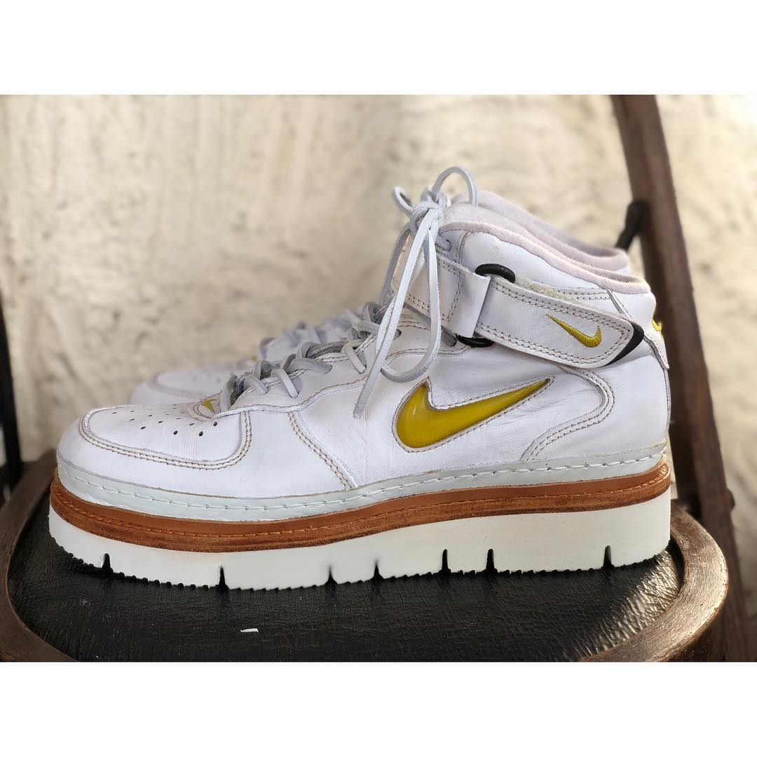 NIKE AIR FORCE1をVIBRAM  9105を使用しリペアさせていただきました。 Sneakers model AIR FORCE1  Sole model VIBRAM  9105 http   pic.twitter.com Avq81U6nl7 c36cbb5cbe9