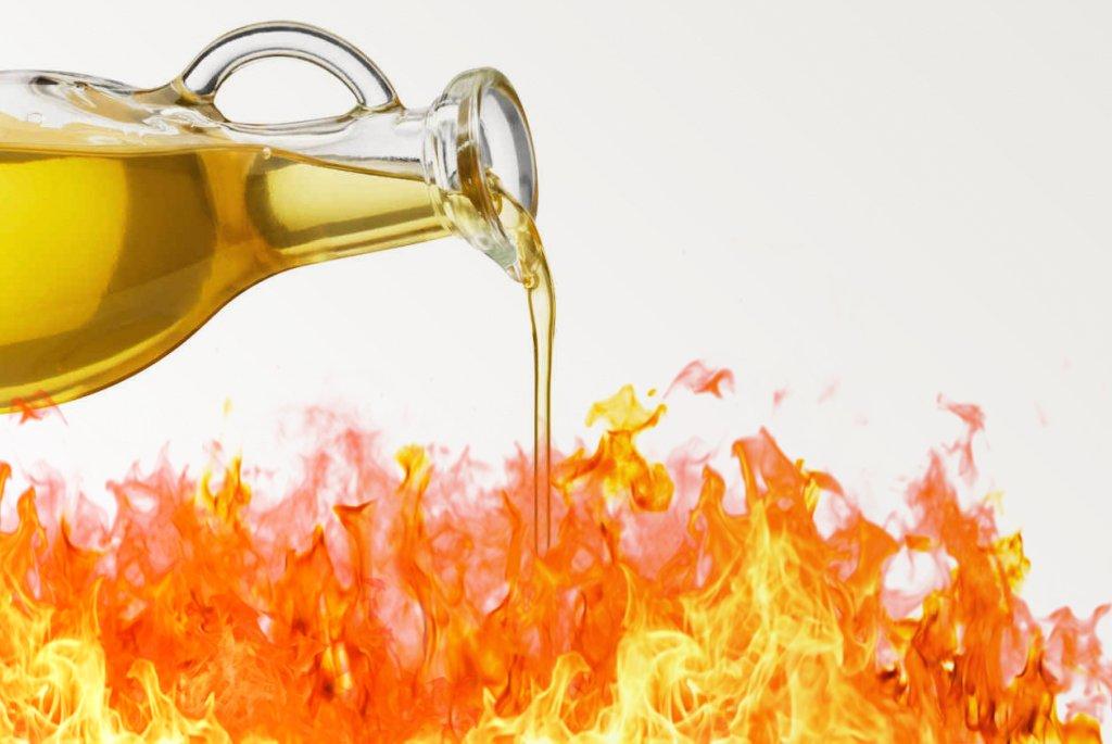 Масло в огонь картинки