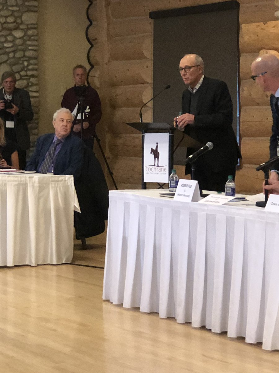 At Mid Cities Mayors Caucus. Exciting day ahead all four party leaders are here today. First the Alberta Party Stephen Mandel. #abmidsizedcities #abpoli #abmuni