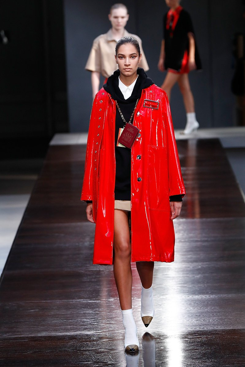 London Fashion Week On Twitter Tbt Burberry Ss19 Show At Lfw September 2018 Returning To The Official Schedule This Season See The Full List Of Designers Showing And Register To Attend At
