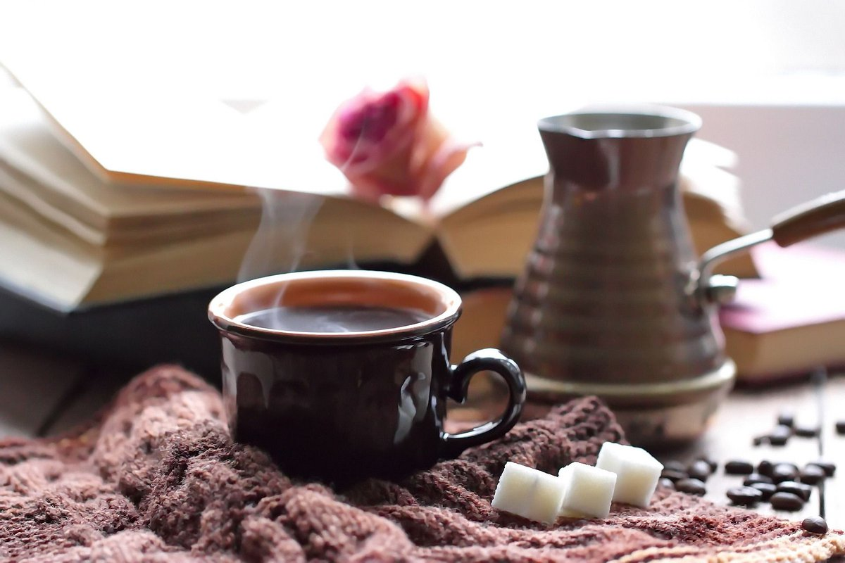 When the temperature drops, theres nothing better than staying inside w/your favorite cup of #coffee. Need great coffee delivered to your door? Try one of our #premiumcoffees! Order at buff.ly/2UdHy7y Stay warm. #specialtycoffee #PolarVotex2019 #coffeetime #coffeebreak