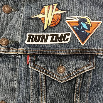 Heading to Oracle tonight? Stop by the main concourse at Section 230 to get your custom #Levi's @warriors 90's jacket.