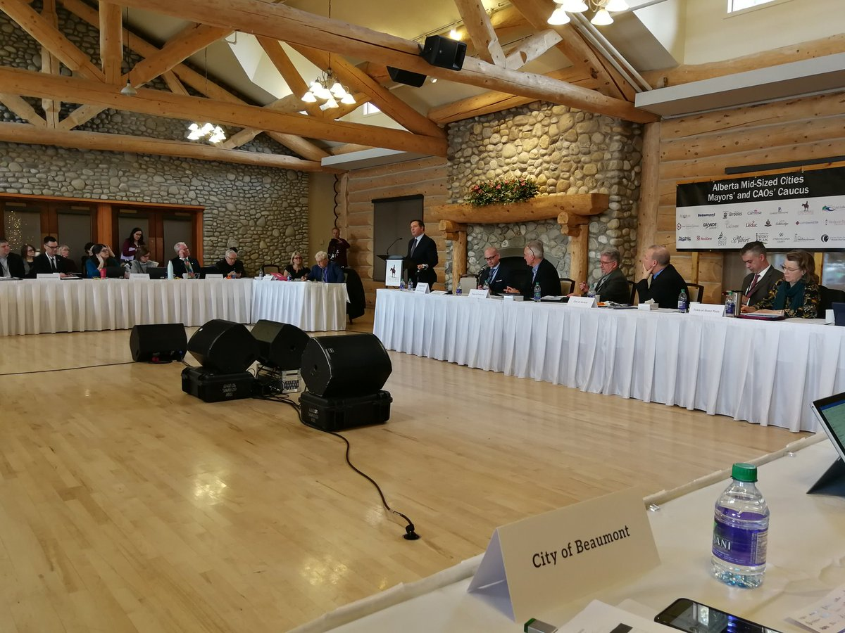 Jason Kenney addressing Mid-Sized Cities Mayor's Caucus. #ABMidSizedCities #abpoli #ABmuni @T4XBeaumont @T4XMayorStewart