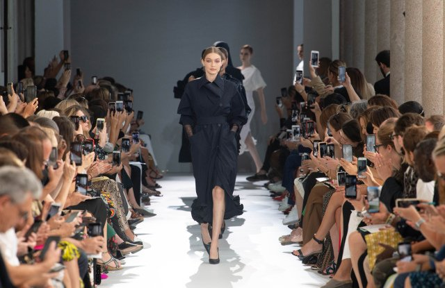 Max Mara and Sportmax are both opting for a new fashion show venue this season at #MFW . https://t.co/39GOCsrWs9