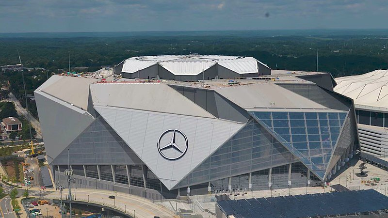 The home of #SuperBowl53 is the 'greenest' sports arena in the world. That's just one of the many things I learned from the builders of #MercedesBenzStadium when I hosted this podcast with them. Give a listen here: https://t.co/H4CWzekSiX   #SuperBowlLIII