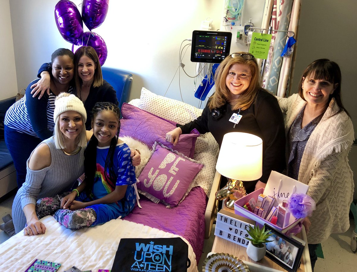 🎉💄  Our friends @AnnMarieLaFlamm, @shannon955  & @WishUponATeen gave Brenda's room a GLAM #DesignMyRoom makover! This special program transforms teen's rooms to help them feel more comfortable during their hospital stay. Thank you for supporting our patients @ChildrensDMC! 💜 – at Children's Hospital of Michigan