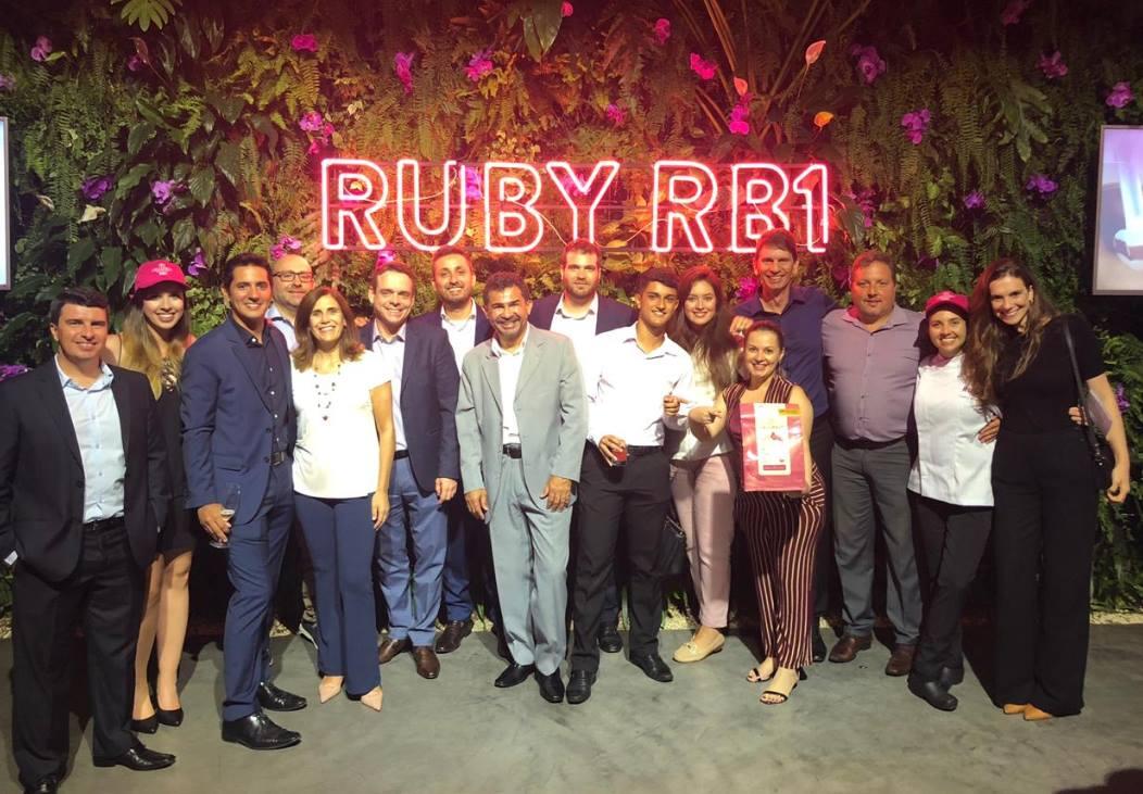 Wow, great news from South America: Our local colleagues from the Finest Belgian Chocolat brand, @Callebaut_UKIE, just launched their #RubyChocolate - #RB1 - in #Brazil! #congrats & #kudos👏 https://www.facebook.com/Callebaut/posts/2448298175184448?__xts__%5B0%5D=68.ARCYK5Fqr58bzneoNl_iBJVRMIXZyt91KVjGgNH8R-gnW0wr3X4byRq6GUSt8YNdKYjrAuCWNMvXonwY05TLkkSNX_p5nNE7sOfHf3dNuXnSQSRKGRXzoMV6cfQyTgv56ziQjqAvGNcGU29785A4l4DCnHGdtau1aHseB2jqGG02ts5gVTGGvJloK0gTTUOz8o6ppxcFTCpX42bnko5JMVlGeT_aHYs1LUrMNF3CcSURbe3EbtqcJOnRmSqDxXPpLjcyerpKioBRBp1MOUvZzJWdCLQHcNX527lB3LGxr_BzgDV-ANk5n8xPhPweZHmWdYRnOb3RwgOcaoLBeVCW-loTQg&__tn__=-R…