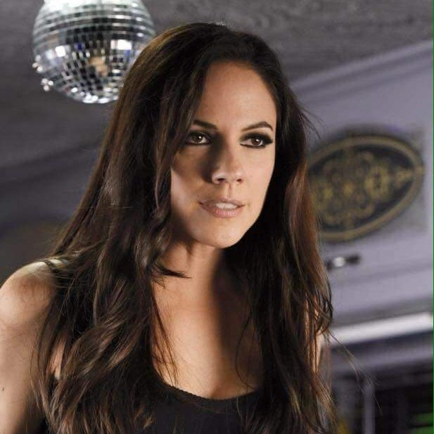 Happy birthday to the beautiful and talented Anna Silk hope you habe a Faetastic day
