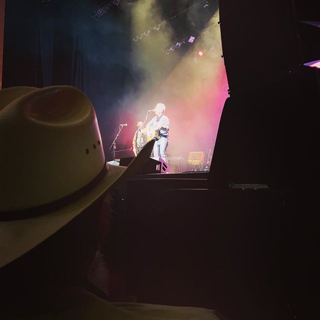 My view of the Americana UK show... Ray Benson's cowboy hat and @Marygauthier on stage! http://bit.ly/2CVbTRs