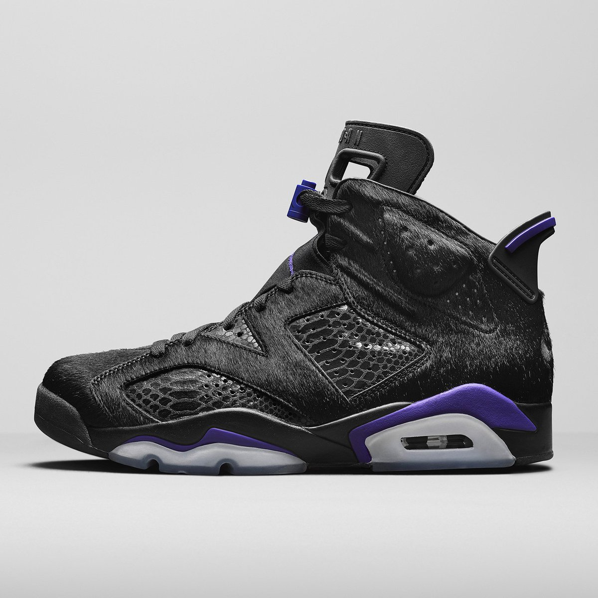 "899feb74ddd Social Status x Jordan 6 Retro NRG ""Pony Hair"" official images #NikeAir  February 13th https://j23app.com/s/2075/ pic.twitter.com/gb3N4Dk2RK"