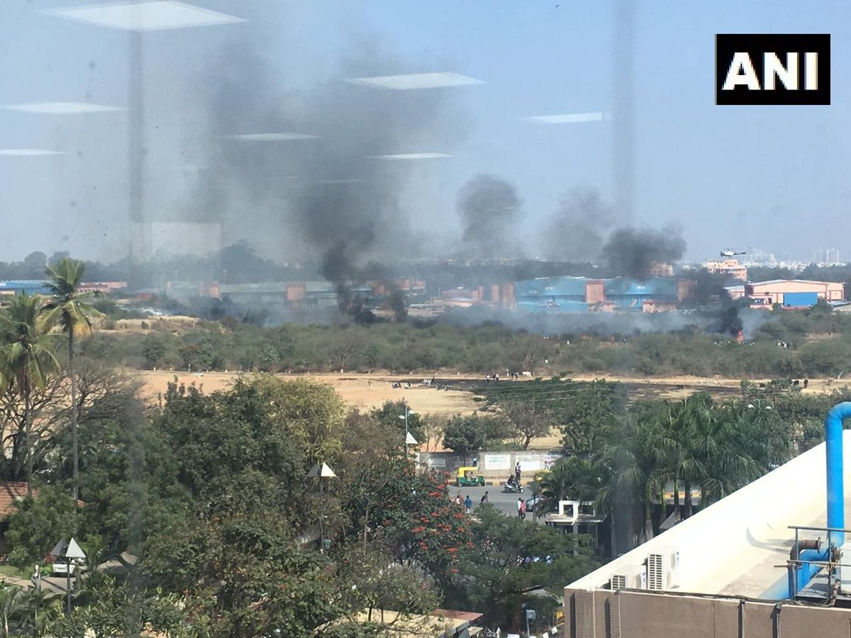 #Visual: Mirage 2000 trainer fighter aircraft of HAL crashes at HAL Airport in Bengaluru, one pilot dead. #Karnataka