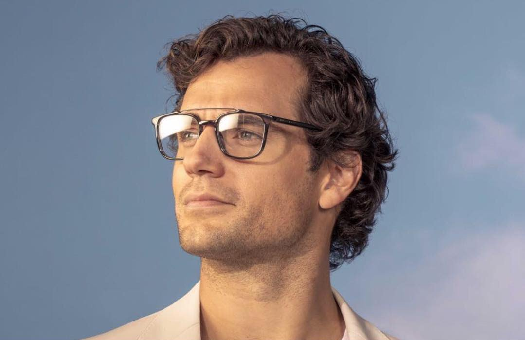 aebd767a6e ... new photo from Henry Cavill s spring summer  HUGOBOSS eyewear campaign  ✨ MORE http   bit.ly 2UCxc1r pic.twitter.com FVtFzx9Gcv