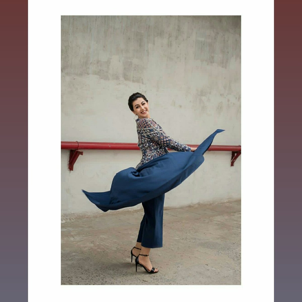 Gorgeous actress #NikkiGalrani 👌 latest stills @nikkigalrani #colourstamil #DanceVsDance