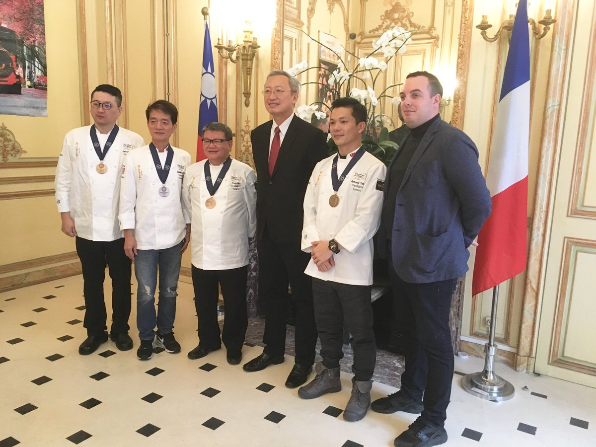 Les participants à la Coupe du Monde de la Pâtisserie passent par Paris