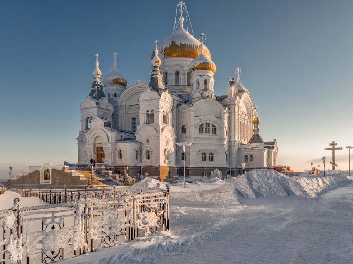 Картинка белогорского монастыря