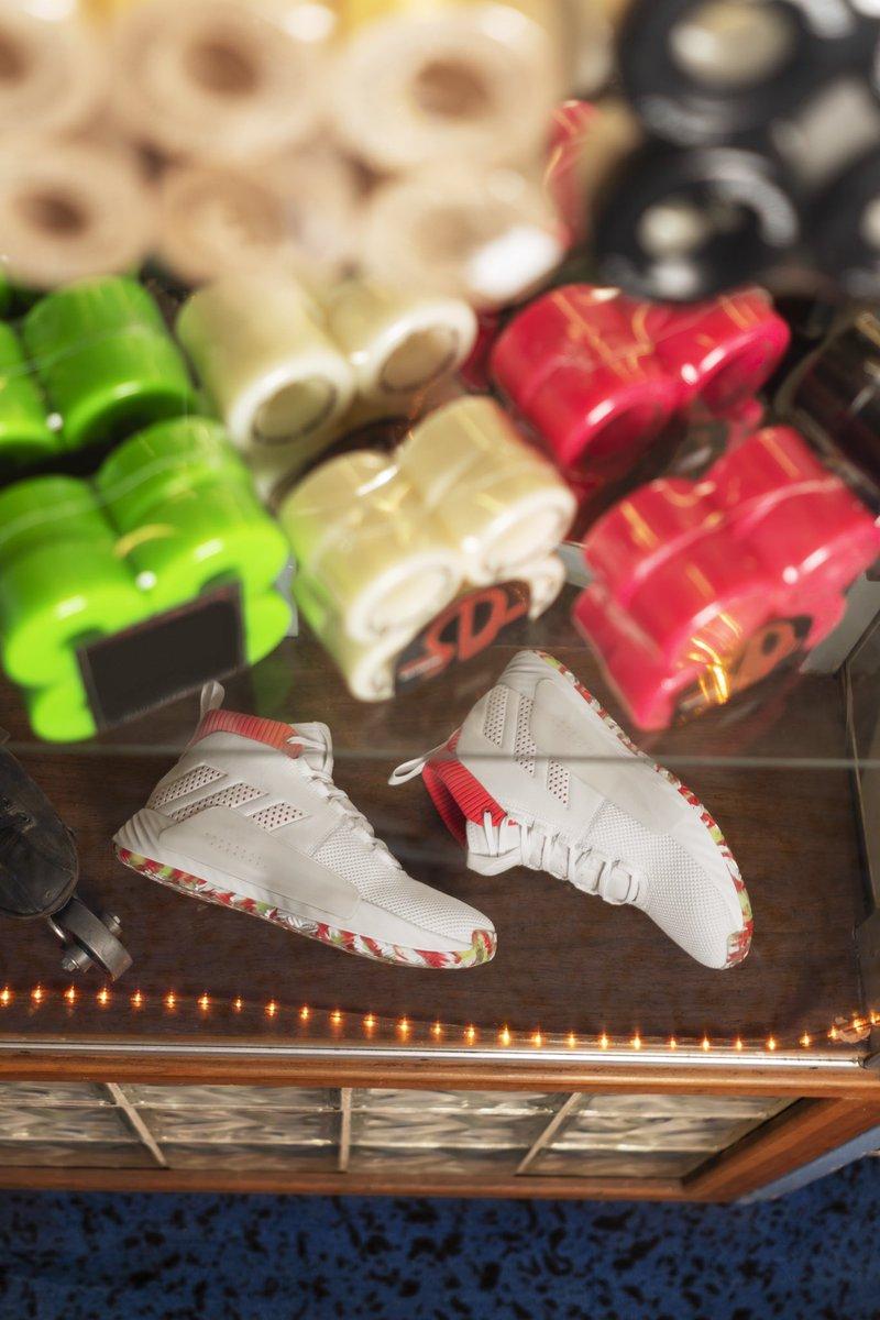 07e9ae2b4dc https   www.adidas.com us damian lillard …pic.twitter.com yzXJ5M6kDx