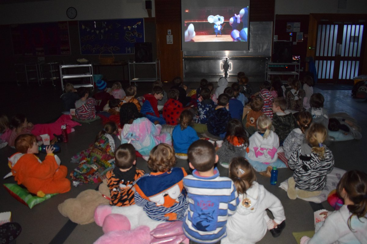 It's been a busy week, so we've donned our onesies, pulled up a beanbag and tucked into popcorn.  It's the Friends of Craigclowan Movie Night in Cinemas 1 and 2! #Wonder #Sing