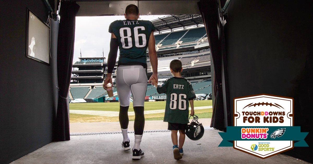 Proud to wrap up another successful TouchDDowns for Kids program with my friends @DunkinPhilly! Thanks to our 45 @Eagles TDs this season, Dunkin' will donate $11,250 to @goodsportsinc to help keep kids in the game. Learn more: https://t.co/EcPSwDZ9SN  #ad