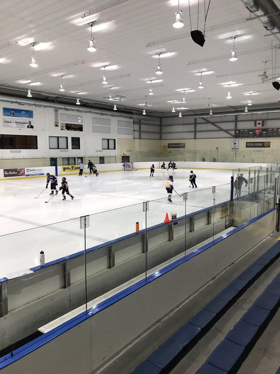 #fridaynightattherink #goteamgo #practicemakesperfect #hockeymom #nhlpic.twitter.com/srjihjlZf2