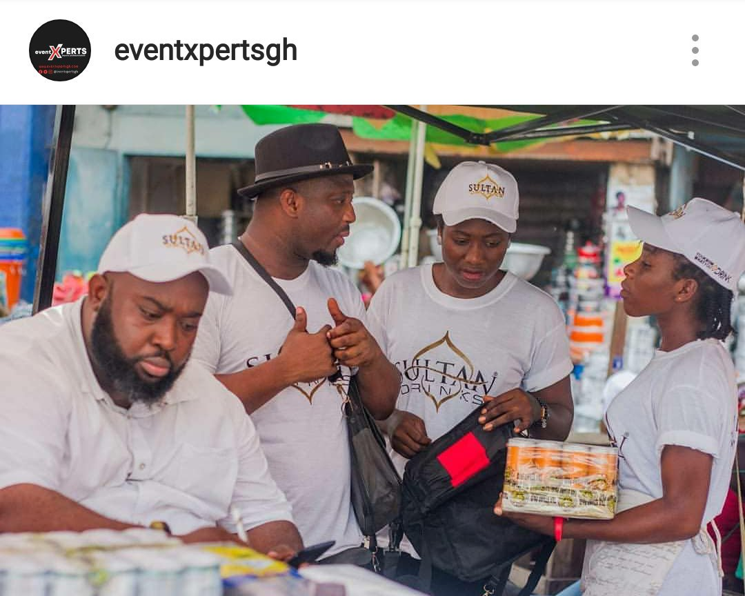 SALES TEAM AT MAKOLA MARKET FOR A SALES ACTIVATION FOR A CLIENT. CALL US TO SELL YOUR PRODUCTS FOR YOU. #LifeBeTime #eventsxpertsgh #@iamreceiver #chapteronepublicity #events #management #weddingplanner #Marketing #brandactivation  #eventushers #LifeBeTime #Ghana<br>http://pic.twitter.com/79H5Osfpzh