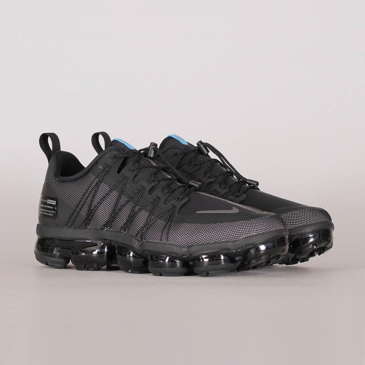 vapormax black footlocker