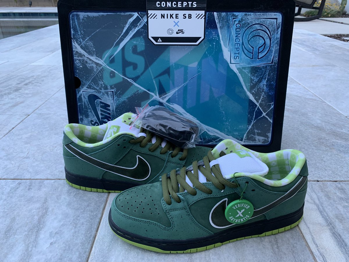 94460a4a Stay tuned, I'm running a @stockx giveaway next week! #sneakerhead #nikesb pic.twitter.com/A2xPxoBOlP