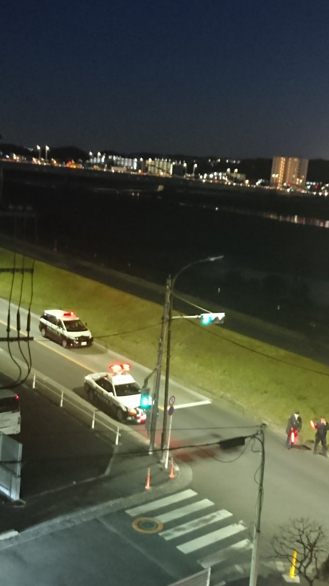 調布市多摩川でひき逃げ死亡事件が起きた現場画像
