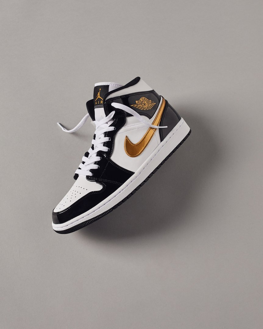 541bc204d242bb MoreSneakers.com on Twitter