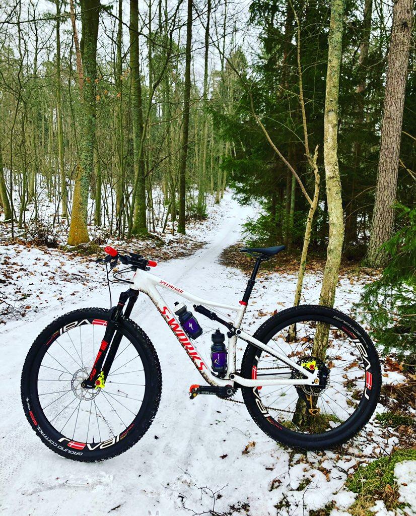 """""""I'm pretty sure I left my bike somewhere around here!?.."""" 🤷♀️👀   😂 @iamspecialized #iamspecialized #iamcamouflaged"""