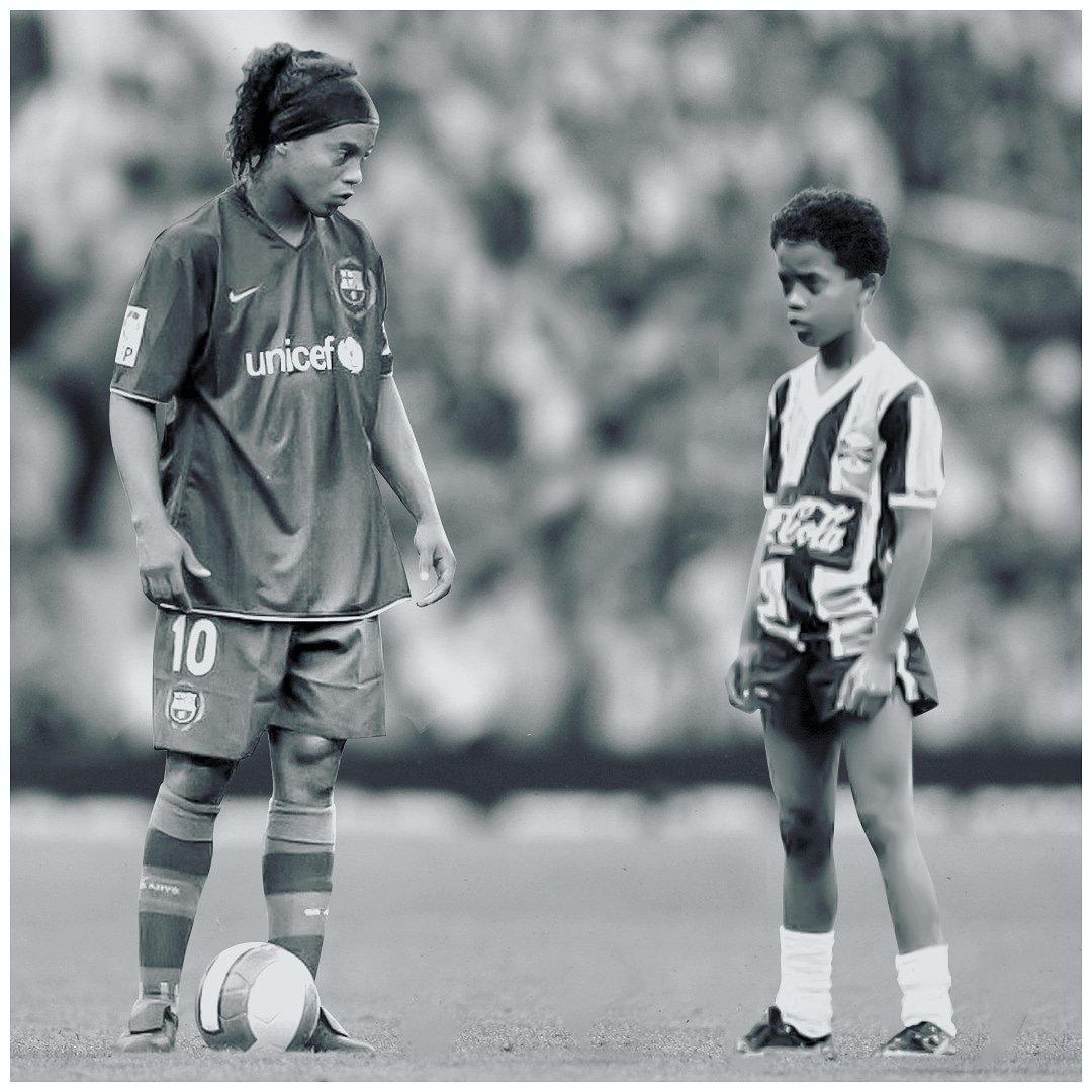 Ronaldinho Gaúcho At 10ronaldinho Twitter