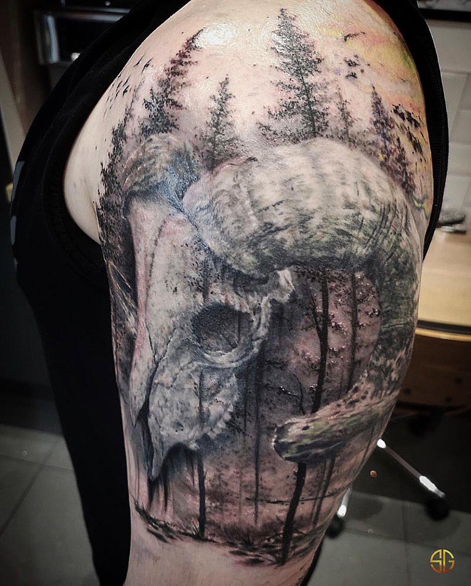 DyZhnJ XcAAjz a - Trash Polka Tattoo Artists Near Me