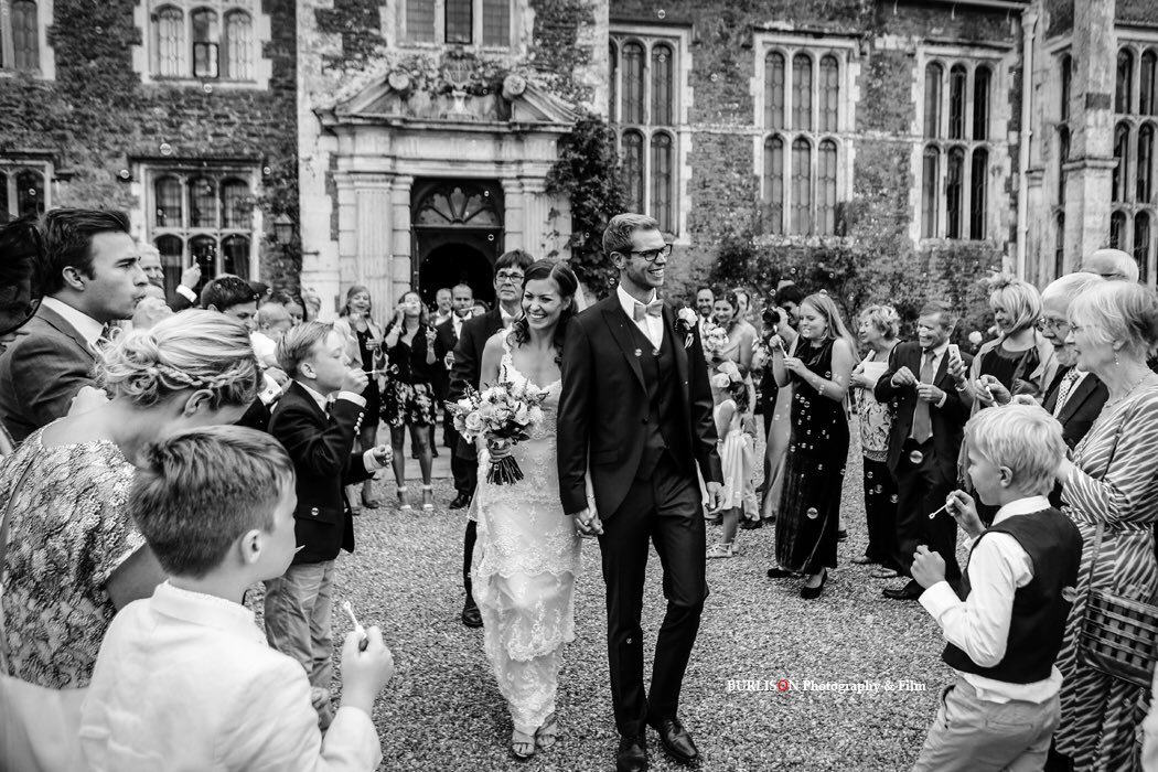 RT @BURLISONphoto Looking forward to returning to the beautiful @LoseleyPark tomorrow Sun 3rd Feb from 11am with @caperandberryLP Come along, say hello and view some of our Award Winning wedding images! #WeddingOpenDay #weddings