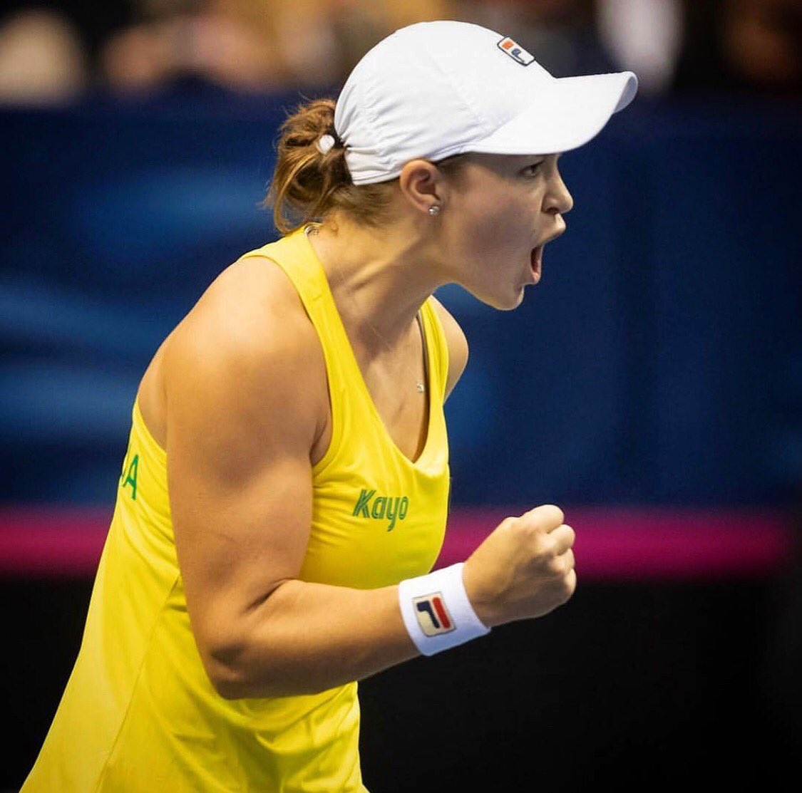 🇦🇺 1-1 🇺🇸 Everything to play for tomorrow! 💛💚 @FedCup