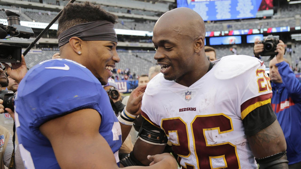 The first time @AdrianPeterson met @saquon on the field?  Even HE was impressed.  Volume up. (via @NFLFilms) https://t.co/miNr2kaAHG