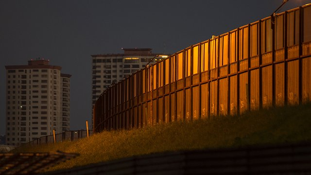 Texas butterfly sanctuary to file emergency restraining order in attempt to stop border wall http://hill.cm/6yaPsmC