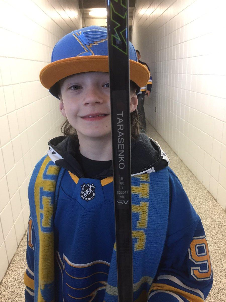 Big thanks to @tara9191 for handing my son his stick during pregame @StLouisBlues game today