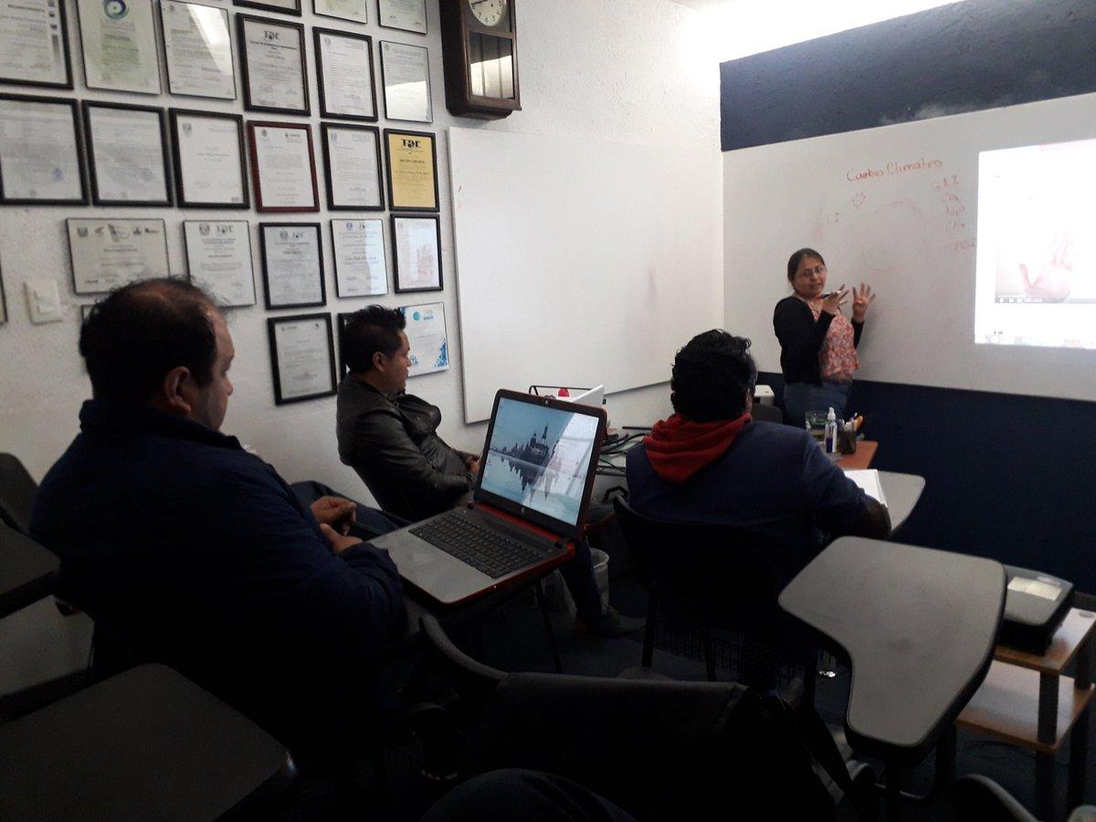 En curso de #EconomíaCircular.  En el #CETT vamos a la vanguardia. – at Centro Empresarial TDE-Talentum