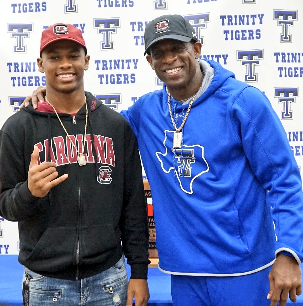 Happy Birthday to my middle son @ShiloSanders who's going to play @GamecockFB ! #21reasons @WellOffForever @welloffmedia_
