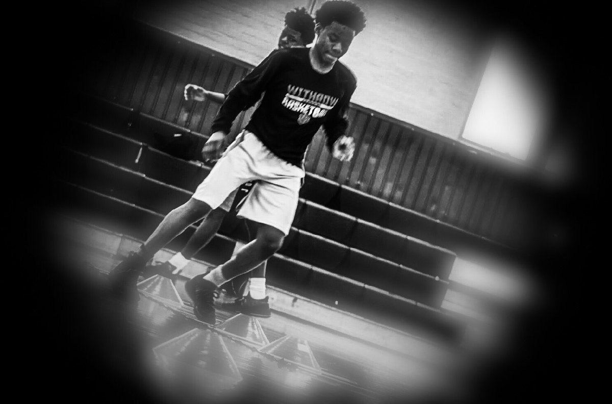 Don't rely on athleticism. Let's get back to fundamentals!  #growthmindset #growth #growthegame #hoops #hoopsnation #basketball #basketballworkout #cincinnati #cincinnatisports #ilovebasketball #footworkdrills #ladderdrills #ladderworkout #agilitytraining #agility #agilitydrills<br>http://pic.twitter.com/YhqYvHekCw