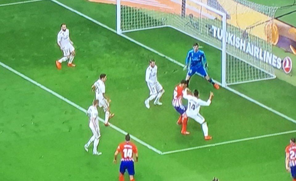 В Атлетико недовольны решениями VAR в матче с Реалом - изображение 3
