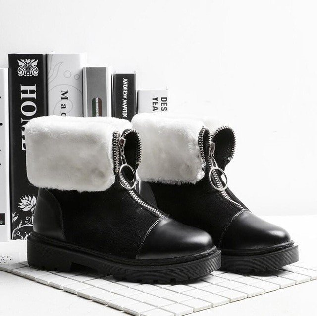 Warehouse Sale! Ladies winter boots at 90% Off! https://fashioninthehouse.com #fashion #style #love #jewelery #beauty #shoes #bags #belt #ebay #me #deals #vintage #moda