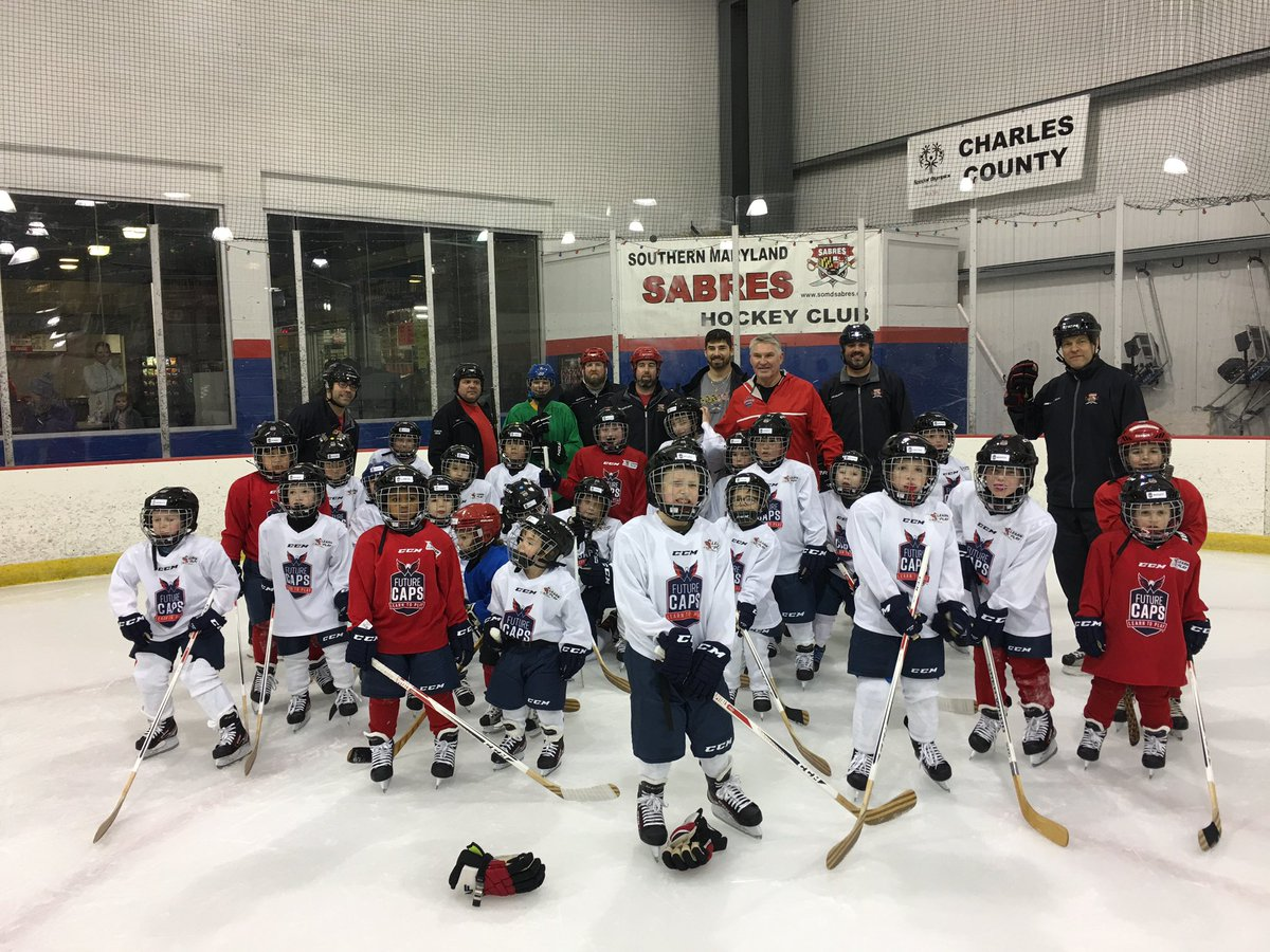 03300e9b9  Capitals Alumni  Laughlin18 joined these enthusiastic skaters out on the  ice!  futurecaps  learntoplay  WHOAREWE  somdsabreshockeypic.twitter.com   ...