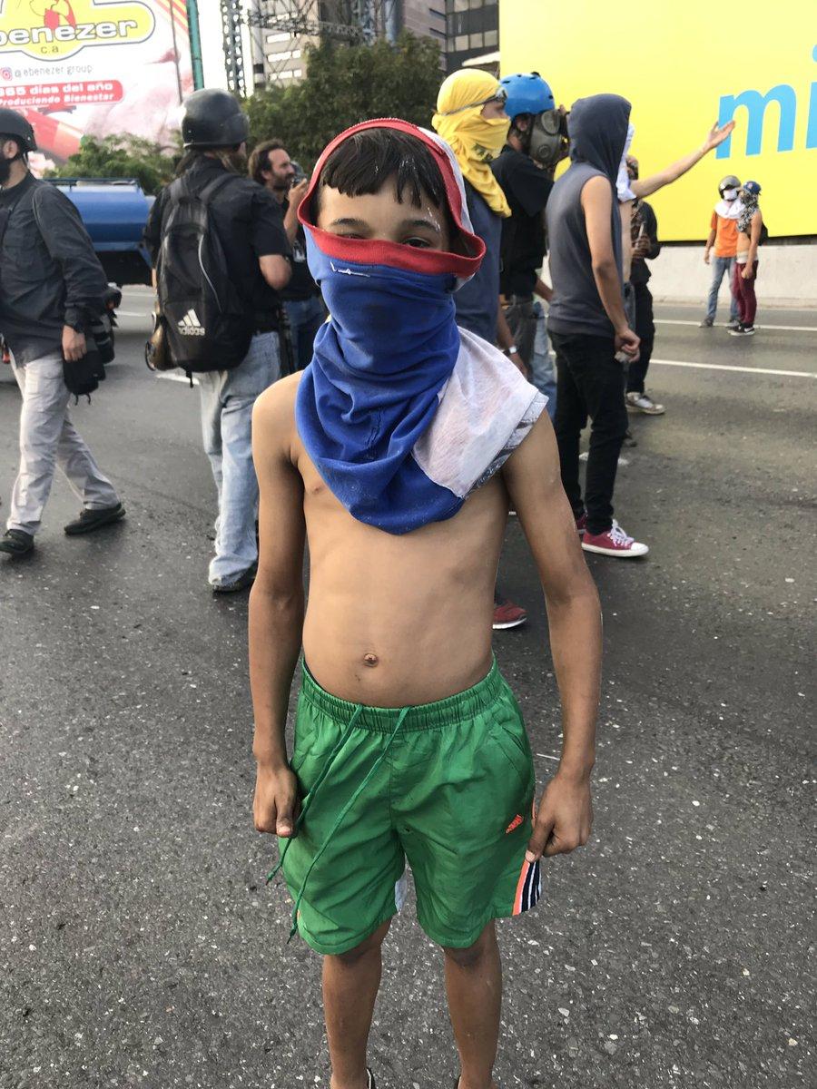 """Maduro: """"¡El Imperialismo quiere matarme!"""" Dyb849aX0AA3rZE"""