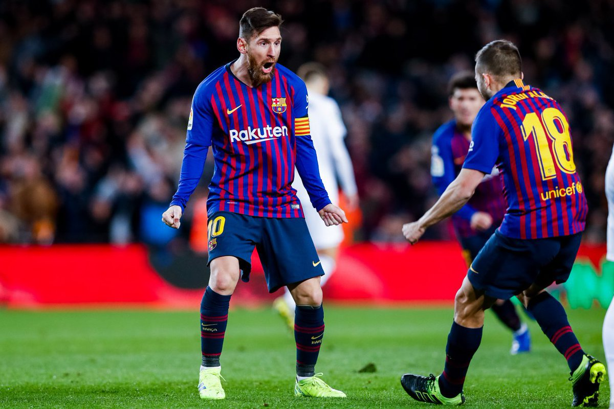 ميسي ينقذ برشلونة من الهزيمة أمام فالنسيا 27